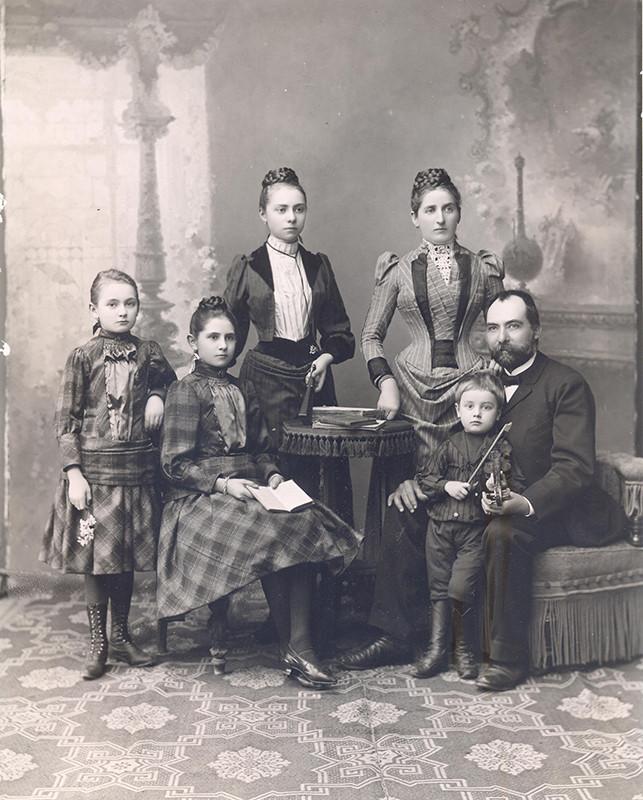 Neznámy autor – Portrét neznámej rodiny, okolo 1880