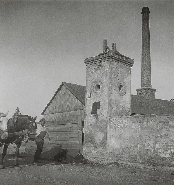 Iľja Jozef Marko – Stará zvonica, za ňou tehelňa