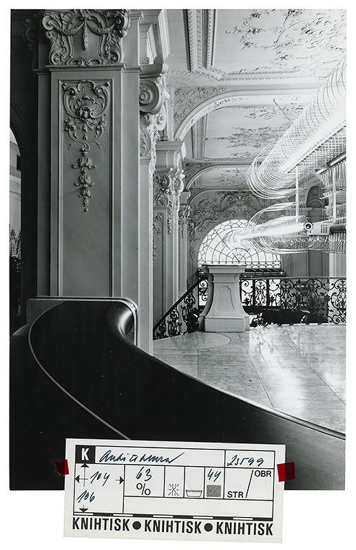 Rastislav Janák, Hilda Môťovská – Československé aerolínie v budove reduty v Bratislave. Pohľad do interiéru.