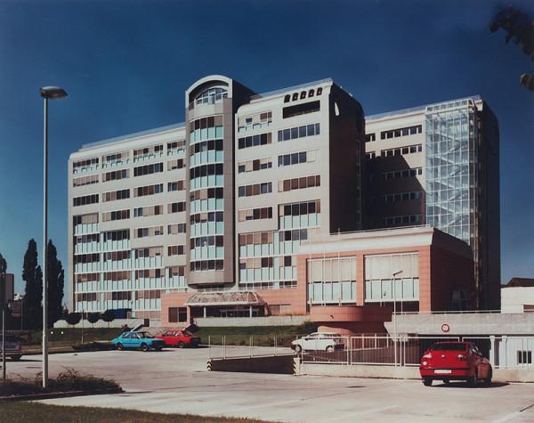 Rajmund Müller – Hotel SÚZA v Bratislave. Celkový pohľad.