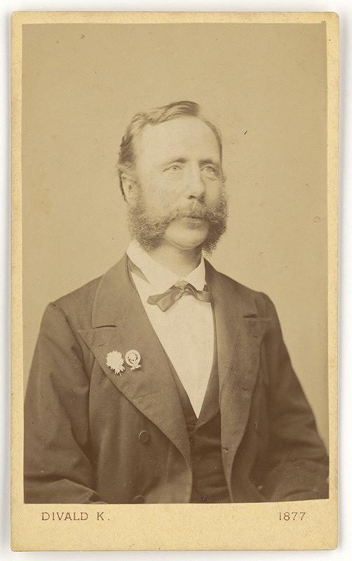 Karol Divald – Portrét muža s odznakmi