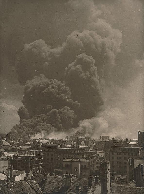 Viliam Malík – Apollo Refinery on Fire (14.6.1944)