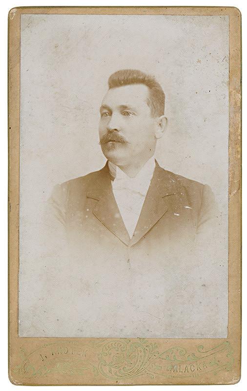 J. Knotek - Portrét muža