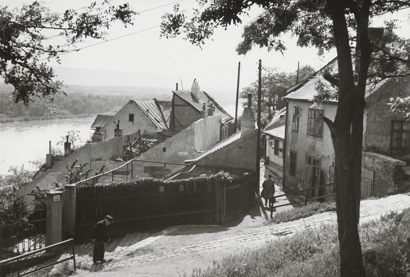 Pavol Poljak - Podhradie pod Vodným vrchom v Bratislave, 1930 - 1940