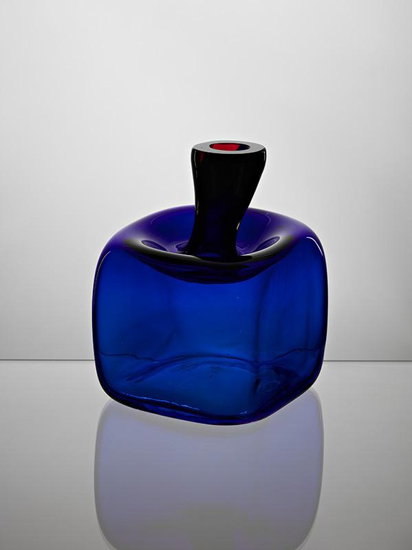 Jaroslav Taraba - Vázička nízka modrá, 1965, Slovenská národná galéria