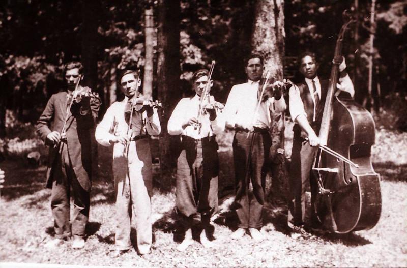 Jozef Kolarčík-Fintický - Cigánsky primáš Jaňo so svojou bandou, Terňa, 1938